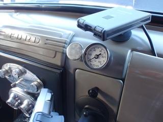 11.10.29油圧計を機械式に変更 (2).JPG