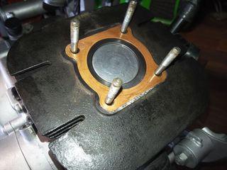 液体ガスケットスプレー (8).JPG