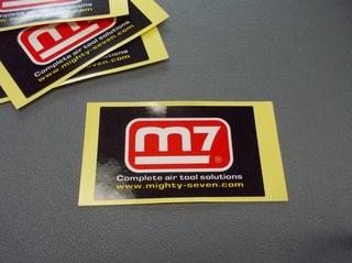 M7ステッカー.JPG